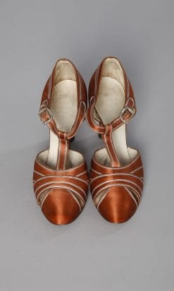 n132_chaussures_1930_en_satin_marron_pic001