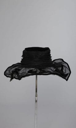 n143_chapeau_1930_pic001