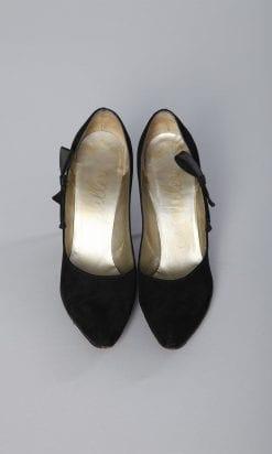 n161_chaussures_daim_noir_neoud_satin_j.miller_1950_1960_pic004