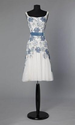 n20_robe_dentelle_bleue_tulle_blanc_1950_pic001