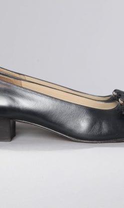 n2457_paire_de_chaussures_en_cuir_noir_ferragamo_pic001
