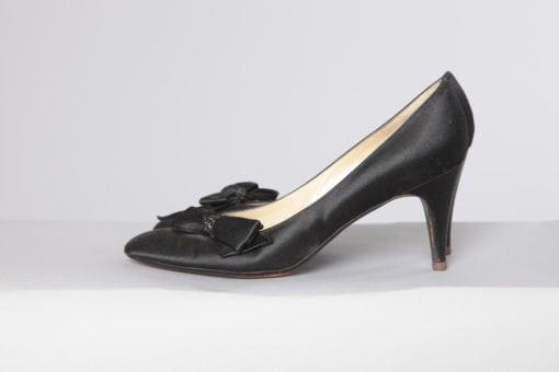 n2462_paire_de_chaussures_en_satin_noir_christian_dior_pic001