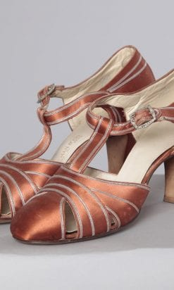 n2463_paire_de_chaussures_dior_pic001