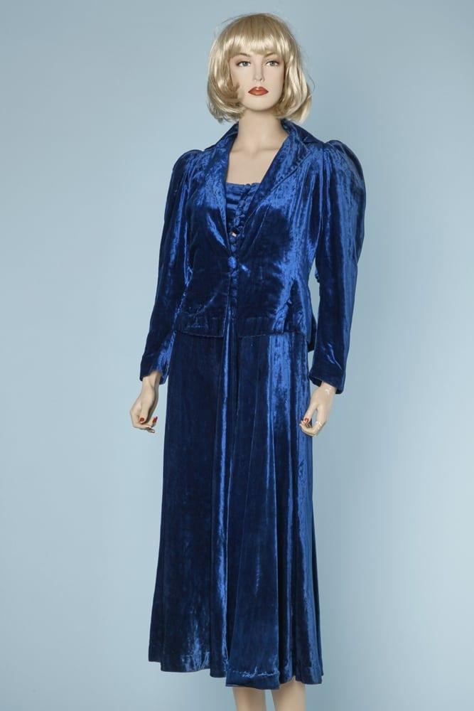 85ef5eae240 n5672 600e robe veste bleue velours 1930 1940 taille 38 001.jpg