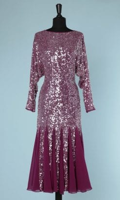 n5864_robe_1980_mousseline_framboise_brodee_paillettes_irisees_quilles_taille_36_pic001