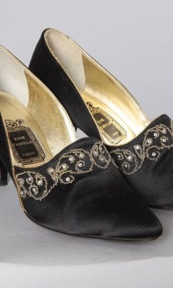 n2547_chaussures_satin_noires_brodees_or_rene_caovilla_pic001