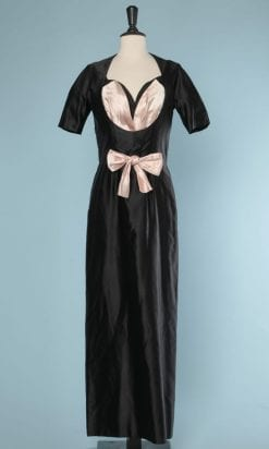 n5795_robe_satin_noir_rose_1950_1960_griffee_maggy_rouff_taille_38_pic001