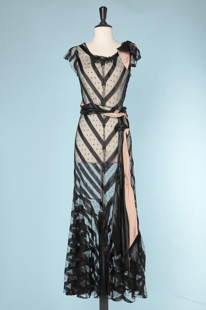 dec61bc8f788 Robe longue 1930 en tulle plumetis noir et rubans de satin - Chez Sarah