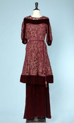 n6081_robe_velours_dentelle_fils_or_rouge_brique_1930_1940_pic001