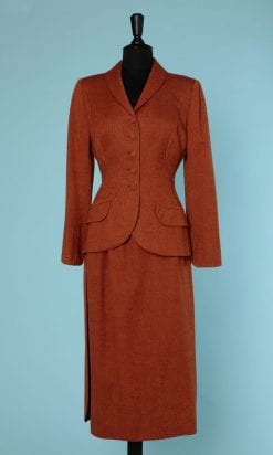 n6390_tailleur_jupe_lainage_marron_rouille_1940_boutons_recouverts_36_pic001