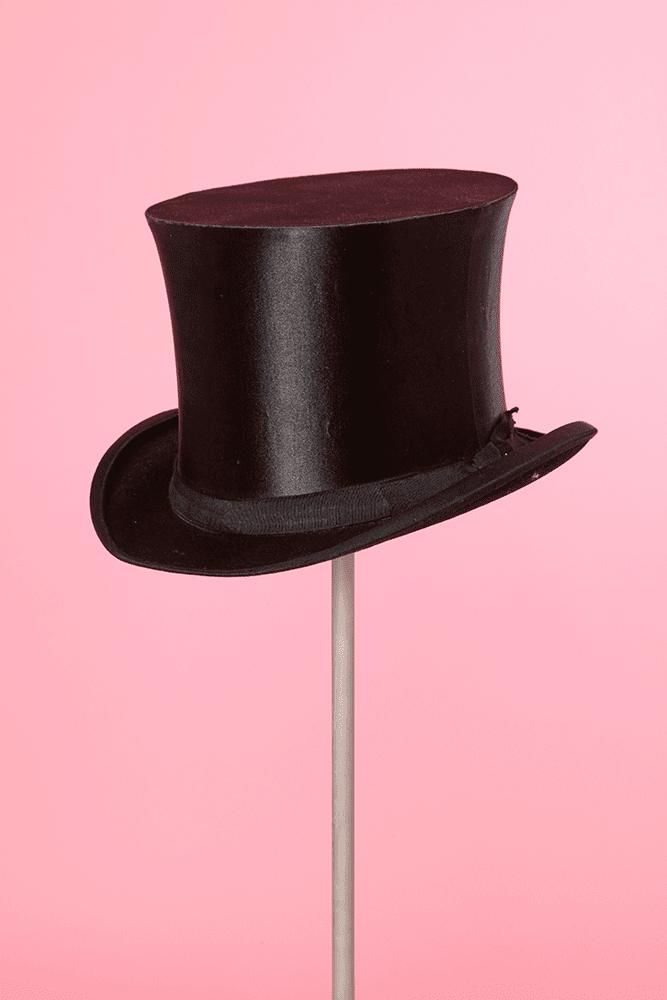 cheap delicate colors check out Chapeau haut de forme en satin noir