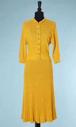 nA4001-Tailleur-1940-en-tricot-jaune-encolure-ajourée-t38-001-1.png