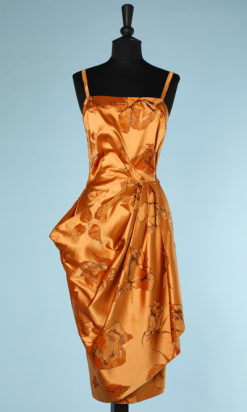 nA4023-Robe-de-cocktail-1960-en-satin-de-soie-orange-et-feuilles-en-velours-t34-001.png