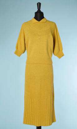 nA4099-Tailleur-1940-en-tricot-jaune-moutarde-t38-001.png