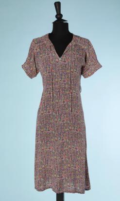 nA4111-robe-1930-en-crêpe-noir-imprimé-jaune-violet-rose-vert-blanc-t44-001.png