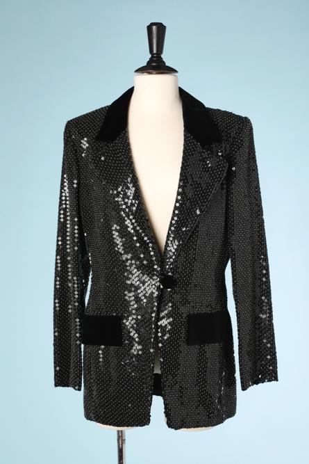 nA4223-veste-en-soie-noire-entièrement-recouverte-de-paillettes-et-perles-transparentes-t40-001.png
