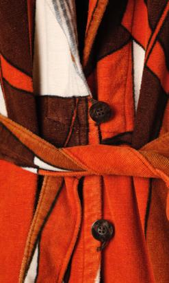 nA4249-Peignoir-1970-en-éponge-imprimé-marron-orange-et-gris-001.png