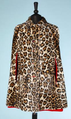 na4485-Cape-1970-réversible-et-lainage-rouge-et-peluche-imprimé-léopard-t40-42-01.png