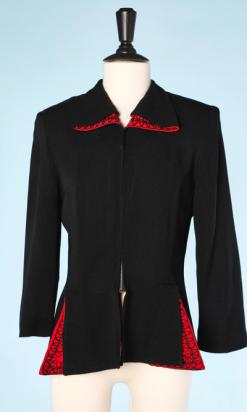 na4465-Veste-1940-en-crêpe-noir-et-rouge-brodés-de-lacets-noirs-t40-01.png