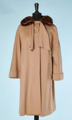 na4472-Manteau-1940-50-en-gabardine-de-laine-cravate-et-col-en-fourrure-t40-42-06.png