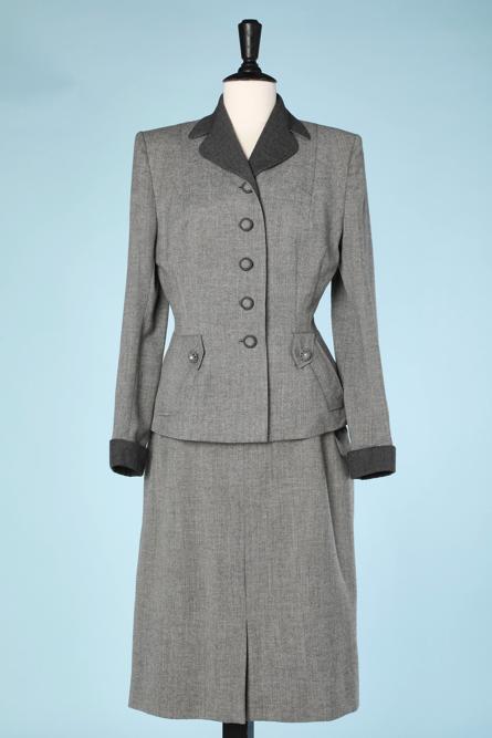 na4477-Tailleur-1940-en-lainage-gris-col-et-poignets-gris-foncé-Fashionbilt-t36-01.png