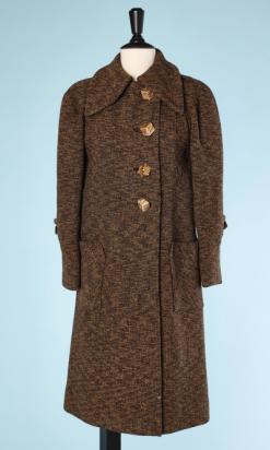 na4605-Manteau-1930-en-lainage-chiné-marron-et-jaune-boutons-cubes-t40-01.png