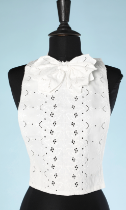 na4625-Plastron-1930-en-broderie-anglaise-et-jabot-01.png