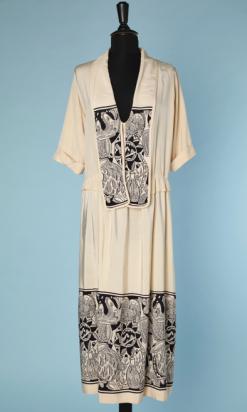 nA4729-Robe-1928-en-soie-ivoire-imprimé-de-motifs-art-déco-ivoire-et-noir-t42-01