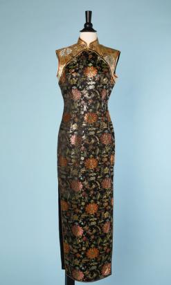nA4732-Robe-longue-du-soir-1950-chinoise-en-satin-noir-et-or-jacquard-multicolore-t36-01