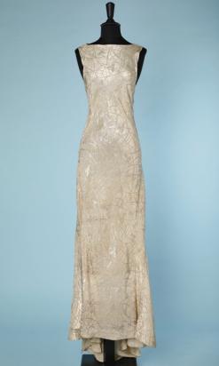 nA4756-Robe-longue-du-soir-1930-lamé-argent-sans-manches-triangle-dos-traîne-t34-36-01