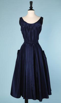 nA4762-Robe-1950-en-faille-marine-strass-épaules-et-poches-t38-40-01
