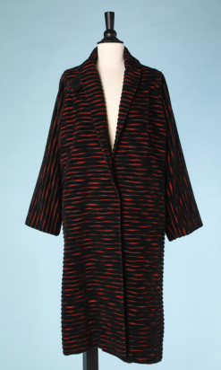 nA4924-Manteau-1950-en-épais-lainage-noir-strié-de-rouge-Lilli-Ann-t40-01