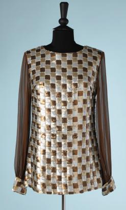 nA5113-Tunique-1970-en-mousseline-marron-cousue-de-carrés-de-paillettes-argent-or-et-cuivre-t38-01