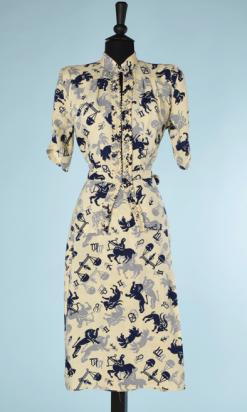 nA5297-Robe-tailleur-1940-en-lin-jaune-imprimé-des-sygnes-du-zodiaque-marine-et-gris-t36-38-01