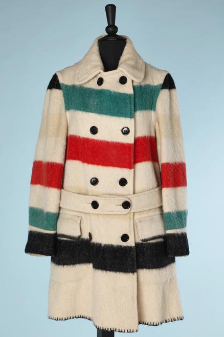 nA5357-Manteau-1930-en-lainage-écru-à-larges-rayures-vertes-rouges-et-noire-ceinture-t44-01