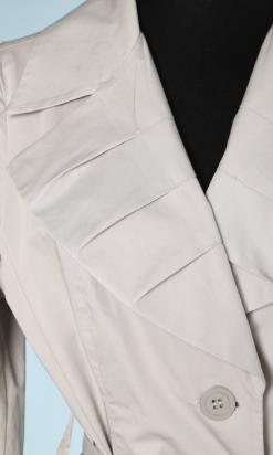 nA5754-Imperméable-vintage-en-coton-gris-claire-col-et-bas-de-manches-plissés-t40