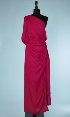 nA5343-Robe-longue-du-soir-en-crêpe-fuchsia-asymétrique-YSL-t38-01
