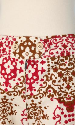nA5347-Pantalon-1970-en-coton-blanc-imprimé-marron-et-bordeaux-t40-01