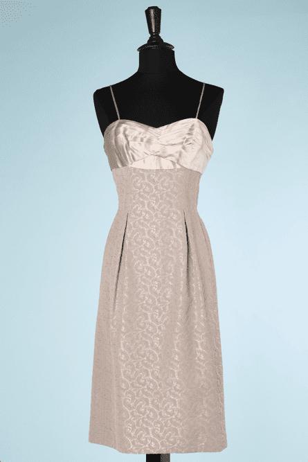 na6444-Tailleur-Robe-et-Veste-1950-60-rose-et-taupe-broché-de-plumes-t36-01