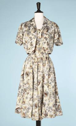 na6456-Robe-et-Veste-1950-en-coton-blanc-imprimé-de-fleurs-jaune-et-marron-t36-38-01