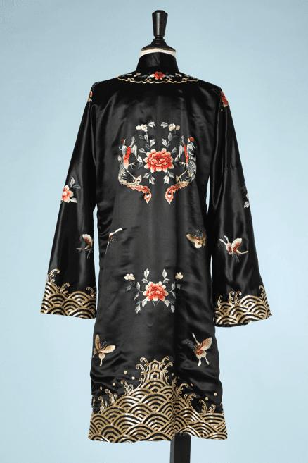 na6592-Kimono-en-satin-noir-brodé-or-et-couleurs-t38-40-01