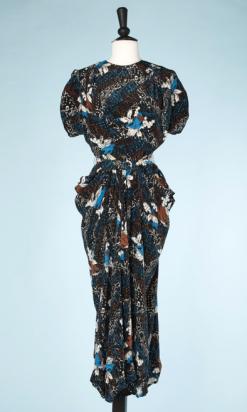 na-6786-Robe-1940-en-soie-noire-imprimé-de-feuillages-turquoises-écrus-marron-t36.-01