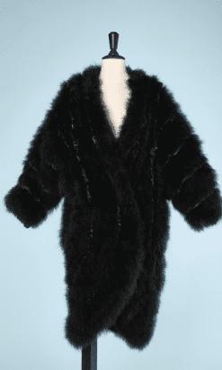 na7037-Manteau-en-plumes-noires-et-satin-noir-Chantal-Thomass-t44-01