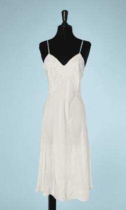 na7198-Combinaison-1930-en-soie-blanche-brodée-t38-40-01
