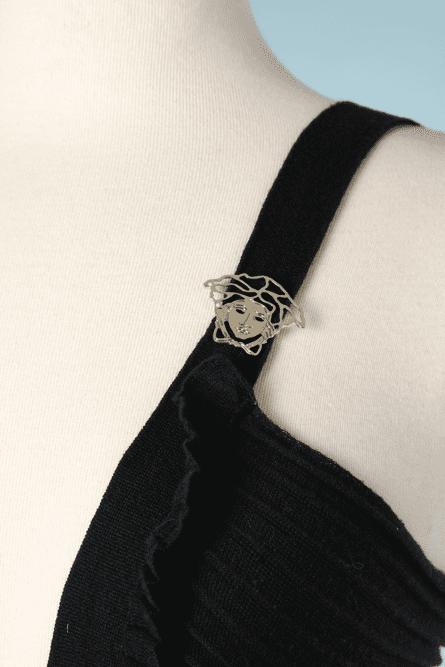 na7381-Débardeur-en-lainage-noir-broche-Méduse-Versace